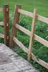 Fence: broken