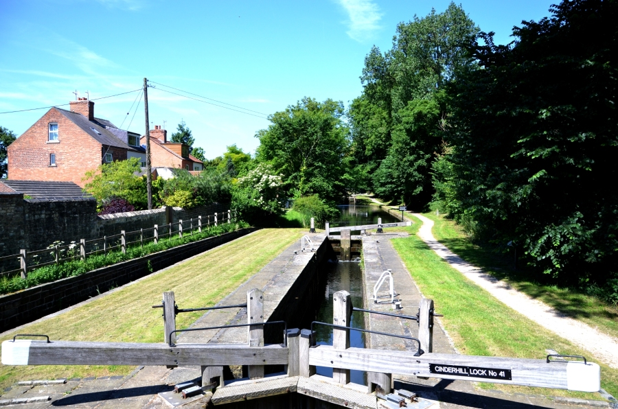 Cinderhill lock