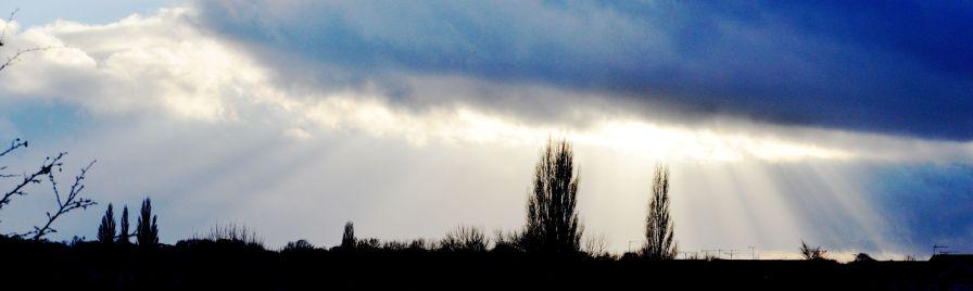Sun thru' clouds