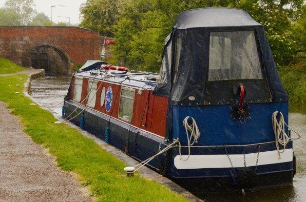 Narrowboat Concordia at the Lock Keeper